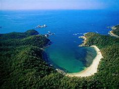 Huatulco, Oaxaca, Mexico - Been here, its amazing. I could spend every day for the rest of my life right there on Playa Cruzita.