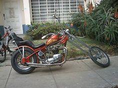 old-school-triumph-chopper-in-lima-peru-21601404.jpg