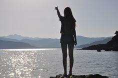 travel reisen elba italy italien europe europa vacation urlaub travelling location sunset sky himmel girl photography fotografie sonnenuntergang view aussicht rooftop lookout
