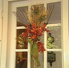 autumn door decorations | Fall and Thanksgiving decorating & table setting...