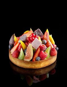 Pâte de Fruits tart (sweet sable crust filled with vanilla pastry cream and seasonal fruits). Pastry Gems at The Ritz-Carlton, Hong Kong Fancy Desserts, Sweet Desserts, Just Desserts, Delicious Desserts, Dessert Recipes, Yummy Food, Sweet Pie, Sweet Tarts, Fresh Fruit Tart