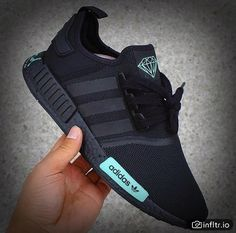 Adidas Originals, Toms Shoes For Men, Sneaker Trend, Outfits Kombinieren, Adidas Sneakers, Black Sneakers, Free Shoes, Trends, Courses