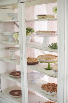 Fantastic cake (or pie!) display for wedding