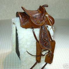 Miniature Carved Leather Western Saddle Dollhouse Miniatures 1:12
