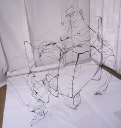 Scribbled Wire Sculptures Mysteriously Appear to Float - My Modern Metropolis