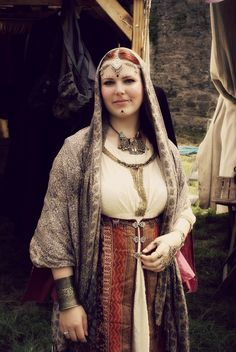 Larp, Renaissance Fair Costume, Ancient Beauty, Period Outfit, Fantasy Costumes, Belly Dance Costumes, Belly Dancers, Historical Clothing, Cosplay