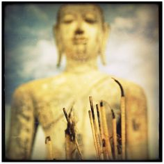 """""""The greater part of human pain is unnecessary. It is self-created as long as the unobserved mind runs your life. Ekhart Tolle, Labyrinth Maze, Labyrinths, Spiritual Teachers, Live In The Now, Inner Peace, Spiritual Quotes, Buddhism, Pilates"""