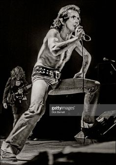 Bon Scott of AC/DC performing on stage, Lyceum Theatre, London, United Kingdom on July 1976 from the Lock Up Your Daughters Tour. Get premium, high resolution news photos at Getty Images Bon Scott, Ac Dc, Hard Rock, Angus Young, Woodstock, Rock Music, New Music, Phil Rudd, Rock N Roll