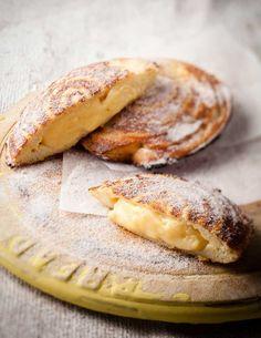 Custard baked in buttered bread in mince pie tin Easy Tart Recipes, Custard Recipes, Fun Baking Recipes, Sweet Recipes, Dessert Recipes, Cooking Recipes, Cake Recipes, Eggless Recipes, Baking Ideas