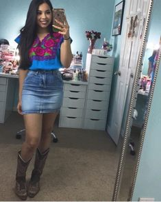 Here is Rodeo Outfit Ideas Pictures for you. Rodeo Outfit Ideas pin andrea on jaripeo outfits rodeo outfits country. Cute Cowgirl Outfits, Rodeo Outfits, Western Outfits, Cute Outfits, Cowboy Boot Outfits, Party Outfits, Mexican Fashion, Mexican Outfit, Mexican Dresses