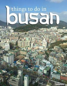 한국의 부산에 대한 포스터이다. 부산동네의 사진과 위에 부산이라는 영어가  잘 어울리는것 같다.