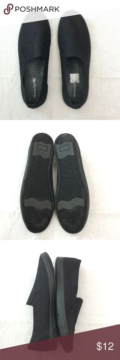 22e35c0a08 NEW LISTING American Eagle Shoe Size 9W American Eagle black slip on shoe  size 9W Canvas