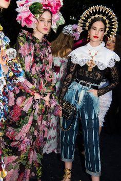 227ff63a8e0 Dolce   Gabbana s Como Chameleons  Naomi Campbell