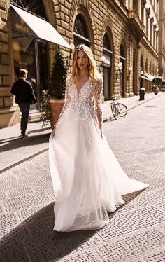 Wedding dresses 2020 Bridal Collection, Wedding Centerpieces, Bridal Dresses, Tulle, Feminine, Florence, Couture, Bride, Formal Dresses