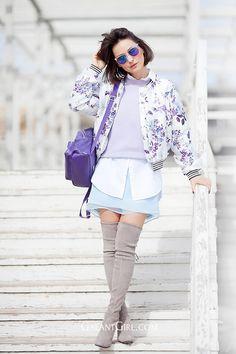 spring+outfit+ideas-floral+bomber+jacket-stuart+weitzman+otkboots+outfit