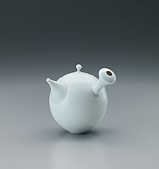 Find and buy all artworks - Traditional Japanese art Traditional Japanese Art, Traditional Artwork, Japanese Ceramics, Japanese Pottery, Pottery Designs, Pottery Art, Contemporary Teapots, Porcelain Dolls For Sale, Ceramic Teapots