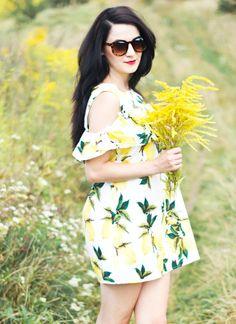 http://www.kadikbabik.pl/2016/08/sukienka-z-cytrynowym-akcentem.html #sunglasses #blogger Sunglasses from Szaleo.pl