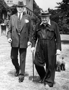 Winston Churchill pulls off workwear too in his striped boiler suit, hat and cane. Punk Trends, New Trends, Brown Suits, Winston Churchill, Churchill Quotes, Boiler Suit, Jacket Style, Men's Jacket, World War Two
