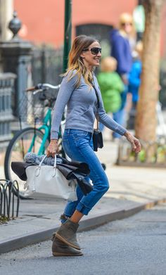 Sarah Jessica Parker wears Isabel Marant Basley Suede Boots in NYC (1)