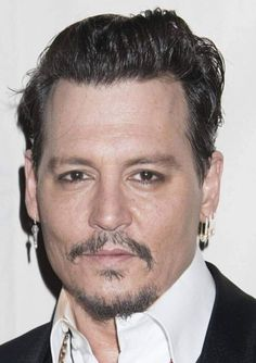 Johnny Depp is scheduled to make his first public appearance since his divorce settlement from Amber Heard when he accepts the inaugural Rhonda's Kiss Healing and Hope Award.  The organization, which helps cancer patients in need, is putting on a concert on Thursday, Nov. 3, at the El Rey Theatre in Los Angeles, California, and the 53-year-old actor is expected to attend. Proceeds from the event -- which will have Weezer performing and Sugar Ray's Mark McGrath emceeing -- will go to the…