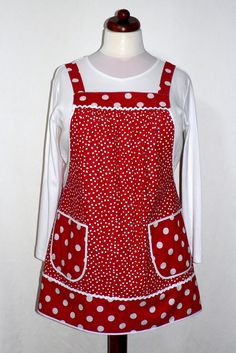 Red Polka Dot Pinafore with no ties, relaxed fit smock apron with pockets, comfortable (doesn't touch neck) made to order XS - Plus Sizes Pinafore Apron, Cute Aprons, Sewing Aprons, Apron Pockets, Aprons Vintage, Sewing Patterns For Kids, Smocking, Sewing Projects, Polka Dots