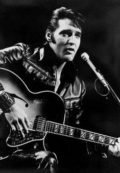 Rock and roll musician Elvis Presley performing on the Elvis comeback. Rock and roll musician Elvis Presley performing on the Elvis comeback TV special on June Bilder Von Elvis Presley, Elvis Presley Images, Rock Posters, Concert Posters, Rock Roll, Rock And Roll Bands, Michael Buble, Rockabilly, Elvis Presley Wallpaper