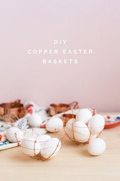 24 DIYs to Freshen Up Your Kitchen Decor for Spring Easter Crafts, Crafts For Kids, Diy Crafts, Easter Decor, Easter Egg Basket, Easter Eggs, Diy Ostern, Christmas Gift Guide, Diy