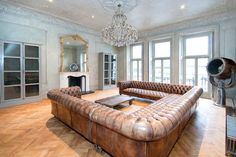 Great living space in #Knightsbridge with probably the largest Chesterfield we have ever seen. #Property #LivingRoom# London #Chesterfield