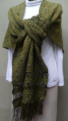 2014-3 Chal espalda en pico 004 Tear, Hand Weaving, Scarves, My Style, Shawls, Folk, How To Make, Crafts, Fashion