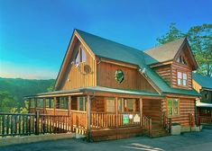 Splendid View 306 | This cabin is perfect for your next trip to the Smokies! Click here to see more from this luxury cabin! http://www.auntbugs.com/Pigeon-Forge-Cabins/splendid-view-306-1660-69375