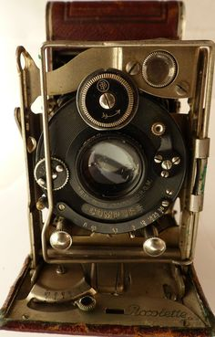 CONTESSA-NETTEL PICCOLETTE- LUXUS DELUXE CAMERA WITH CARL ZEISS TESSAR LENS