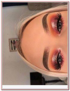 Eyeshadow make-up for eyeshadow makeup revolution eyeshadow palette mini m Makeup Guide, Eye Makeup Tips, Makeup Tricks, Smokey Eye Makeup, Glam Makeup, Sephora Makeup, Eyeshadow Makeup, Makeup Brushes, Makeup Products