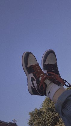 Jordan Shoes Wallpaper, Sneakers Wallpaper, Nike Wallpaper, All Nike Shoes, Hype Shoes, Jordan Shoes Girls, Girls Shoes, Foto Top, Swag Shoes