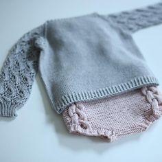 «...og litt strikkespam. Selv om jeg er fan av tykt garn som strikkes raskt, vil jeg likevel slå et slag for florlette strikkegensere i tynn…»