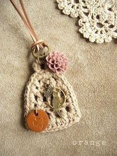 oh, ideas.Tutorial for Crochet, Knitting, Crafts. Crochet Crafts, Yarn Crafts, Crochet Projects, Love Crochet, Crochet Flowers, Knit Crochet, Crochet Motif, Jewelry Crafts, Handmade Jewelry