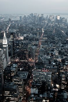 Downtown Manhattan (by Obliot)