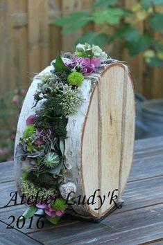 Afbeeldingsresultaat voor bloemschikken met hout