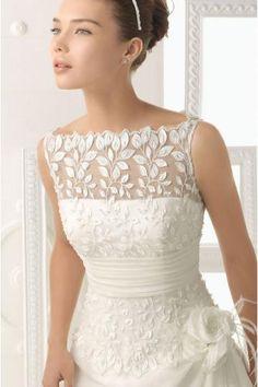 Vestido de novia be escote barco de tafetan y con flores