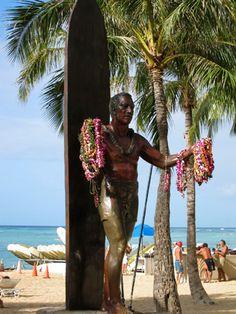 Duke Kahanamoku Statue on Waikiki Beach. Father of Modern Surfing.