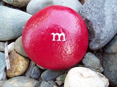 Red m Painted River Rock Pebble Painting, Love Painting, Pebble Art, Painted River Rocks, Painted Stones, Crafts For Seniors, Kids Crafts, Diy Crafts How To Make, Pet Rocks