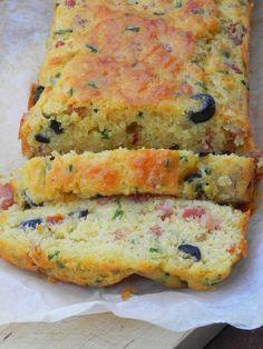Plum cake de primavera… (con bacon, queso emmental, aceitunas negras, tomates secos y cebollino)   CocotteMinute