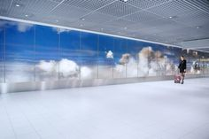 The World's Biggest Lenticular Print Will Make You Go 'Whoa' | Studio Roosegaarde created a nearly 400-foot lenticular print for Amsterdam's  Schiphol Airport's departures hall. | Credit: Studio Roosegaarde | From Wired.com