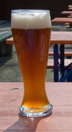 Brewing Recipes, Homebrew Recipes, Beer Recipes, Recipies, Wheat Ale Recipe, Brewery Design, Homemade Beer, Beer Pictures, Wheat Beer