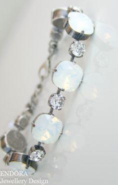 White opal Swarovski crystal bracelet | crystal bracelet | opal bracelet | www.endorajewellery.etsy.com