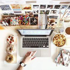 31 отметок «Нравится», 2 комментариев — Emma Watts (@emmawatts_1) в Instagram: «Work desk goals! 👍🏼 #love #inspo #workhard #dreambig»