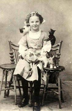 Bildresultat för http://retro-vintage-photography.blogspot.se/ #CatGirl