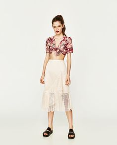 ZARA - WOMAN - CROP TOP WITH KNOT