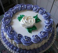 village ka plan drop hogaya na net slow hai Cake Decorating Designs, Cake Decorating Piping, Cake Decorating Videos, Cake Decorating Techniques, Cake Designs, Cookie Decorating, Pretty Cakes, Beautiful Cakes, Amazing Cakes