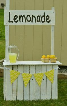 Hostess with the Mostess® - Emma's Lemonade Stand