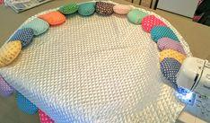 【サニーマットの作り方】絶対に完成までたどり着ける!作り方5つのポイント | ママディア Baby Bedroom Furniture, Baby Tummy Time, Sewing Crafts, Sewing Projects, Fabric Toys, Baby Shower Diapers, Baby Crafts, Sewing Techniques, Handmade Baby